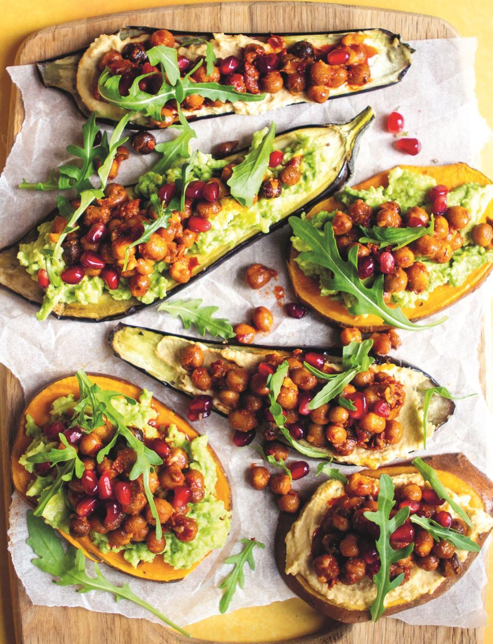 Vegan Zoete-aardappel- en auberginetoast met avocadospread & harrisa