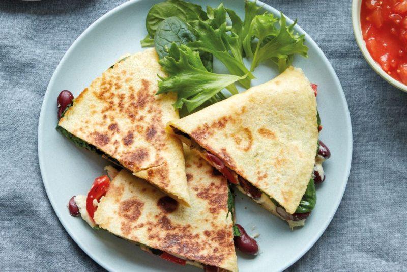 Vegan quesadilla's met 'kaas'